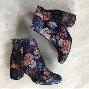 Zigi Soho Brocade Booties Chunky Heel 6.5